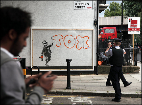 Banksy Tox Bubble Writing