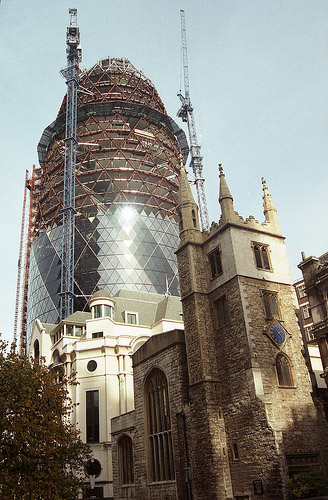 Swiss Re Tower London by Norman Foster