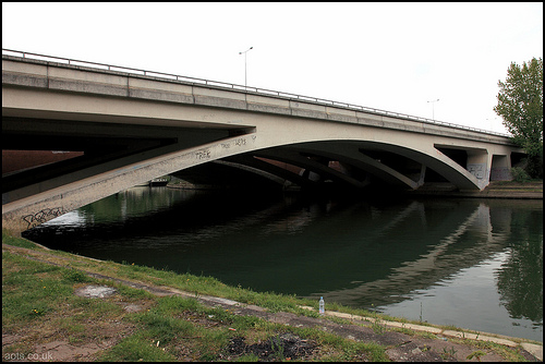 M25 Runnymede Road Bridge