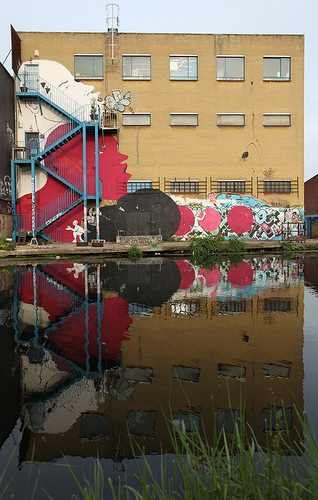 Run graffiti - Hackney Wick
